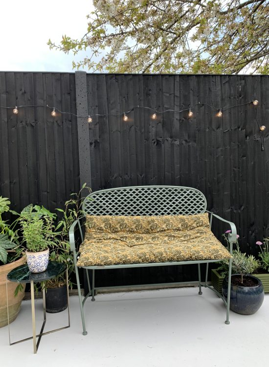 DIY: FENCE PAINTING