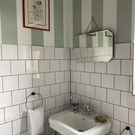 CHANGING ROOMS: OUR QUICK BUT IMPACTFUL BATHROOM TRANSFORMATION