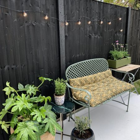 EASY UPCYCLE: METAL GARDEN BENCH